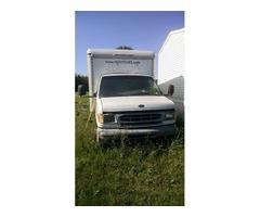 1999 Ford Cutaway Van E3